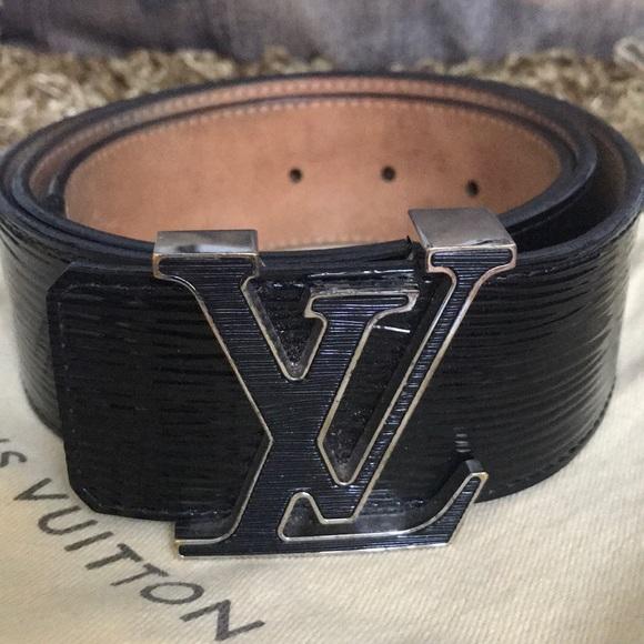 f3cbf1576c3 Louis Vuitton Black Leather Belt. GENTLY Enjoyed.
